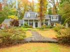 Maison unifamiliale for  sales at Charming New England Colonial 89 Oakridge Road   Verona, New Jersey 07044 États-Unis