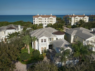 Single Family Home for  at Spectacular Carlton Home Close to Beach Access 400 Oceanview Ln Vero Beach, Florida 32963 United States