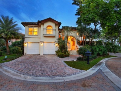 Villa for sales at DEERING BAY ESTATES 13693 Deering Bay Dr  Coral Gables, Florida 33158 Stati Uniti