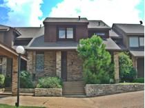 Maison de ville for sales at 2133 Fountain Square Dr    Fort Worth, Texas 76107 États-Unis