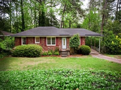 Частный односемейный дом for sales at Charming Brookhaven Home 1444 N Druid Hills Road NE Atlanta, Джорджия 30319 Соединенные Штаты