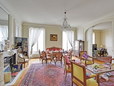 Apartamento for sales at Through flat - Malesherbes  Paris, Paris 75008 Francia