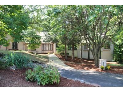 Maison unifamiliale for sales at 197 Cedar Bridge Court 197 Cedar Bridge Ct Chesterfield, Missouri 63141 États-Unis