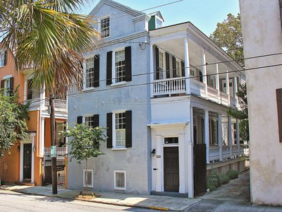 Vivienda unifamiliar for sales at Fabulous Charleston Single with Double-tiered Piazza in Ansonborough 41 Society Street Charleston, Carolina Del Sur 29401 Estados Unidos