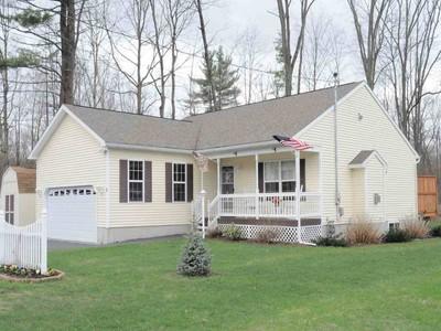 Einfamilienhaus for sales at 9 Exeter St.  Glens Falls, New York 12801 Vereinigte Staaten