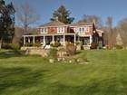 Casa para uma família for sales at Direct Access to Long Island Sound 100 Old Black Point Road Niantic, Connecticut 06357 Estados Unidos