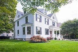 Maison unifamiliale for sales at 22 Lenox Street  Newton, Massachusetts 02465 États-Unis