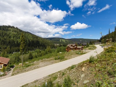 Terrain for sales at Panoramic View Lot 2549 Mountain View Dr Sun Peaks, Colombie-Britannique V0E Canada
