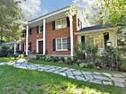 단독 가정 주택 for  sales at Desirable Center Hall Colonial Home. 3 Glenwood Drive Saddle River, 뉴저지 07458 미국
