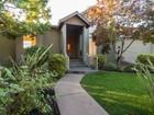 独户住宅 for  sales at Sophisticated Upper Oakmore Contemporary 2268 Leimert Boulevard Oakland, 加利福尼亚州 94602 美国