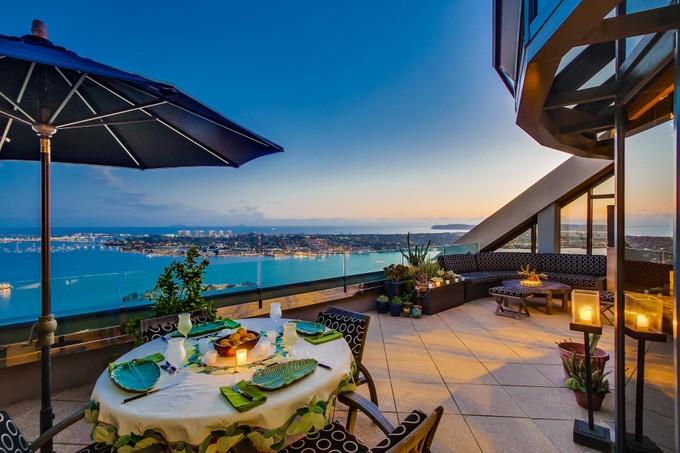 Condominio for sales at Harbor Club 200 Harbor Drive #4101 San Diego, California 92101 Estados Unidos