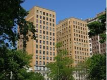 Кооперативная квартира for sales at Magnificent Home! 3740 N Lake Shore Drive Unit 14A   Chicago, Иллинойс 60613 Соединенные Штаты