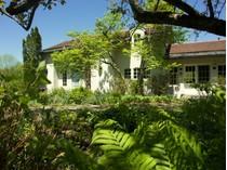 Maison unifamiliale for sales at Montgomery Farmhouse 1205 Hazen's Notch Road   Montgomery, Vermont 05471 États-Unis