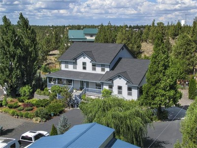 Nhà ở một gia đình for sales at Crooked River Ranch - Custom Home 14095 SW Cinder Cone Loop Terrebonne, Oregon 97760 Hoa Kỳ