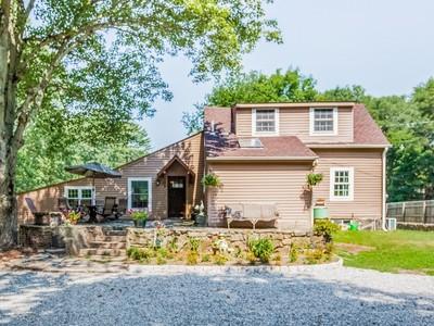 Casa Unifamiliar for sales at A Must See!  Madison, Connecticut 06443 Estados Unidos