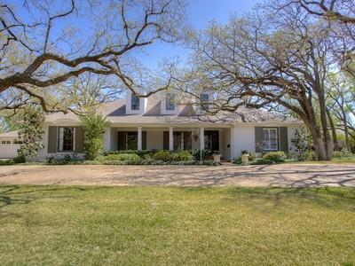 Moradia for sales at 408 N Bailey Avenue  Fort Worth, Texas 76107 Estados Unidos