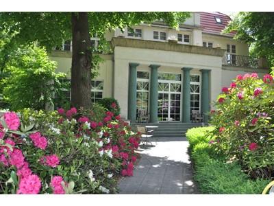 Eigentumswohnung for sales at Stylishly renovated Beletage beautiful private countryside villa  Berlin, Berlin 14193 Deutschland
