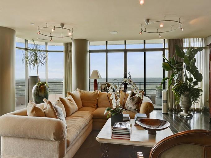 共管式独立产权公寓 for sales at Sophisticated Buckhead High Rise With Great View 750 Park Avenue #26W Atlanta, 乔治亚州 30326 美国