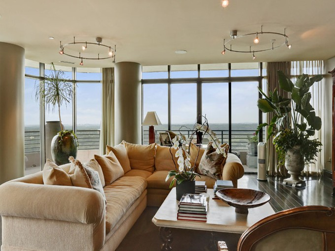 Nhà chung cư for sales at Sophisticated Buckhead High Rise With Great View 750 Park Avenue #26W Atlanta, Georgia 30326 Hoa Kỳ