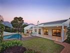 Casa Unifamiliar for  sales at Located in a prestigious Erinvale Golf Estate  Somerset West, Provincia Occidental Del Cabo 7130 Sudáfrica