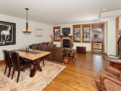 联栋屋 for sales at Easy Mid-Valley Living 163 Juniper Trail Carbondale, 科罗拉多州 13344 美国