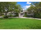 Villa for  sales at Pristine Contemporary 28 Tuthill Lane   Remsenburg, New York 11960 Stati Uniti