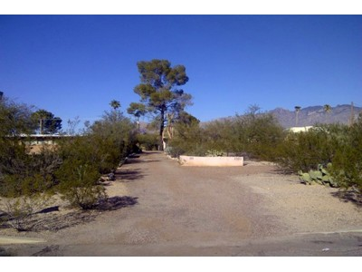Đất đai for sales at Large Rarely Available Lot In Desirable In-Town Neighborhood Of Richland Heights 2321 E Greenlee Rd  Tucson, Arizona 85719 Hoa Kỳ