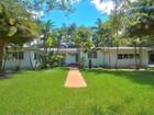 Vivienda unifamiliar for  rentals at 2901 De Soto Blvd   Coral Gables, Florida 33134 Estados Unidos