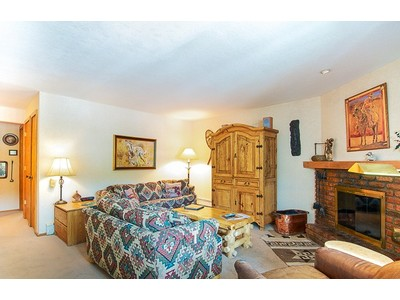Copropriété for sales at Woodbridge Condominium 35 Upper Woodbridge Road Unit 24AB Snowmass Village, Colorado 81615 États-Unis