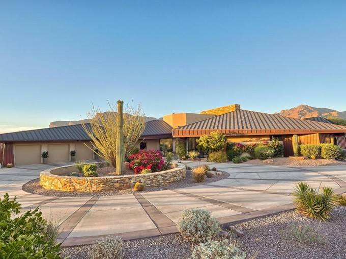 Single Family Home for sales at Luxurious Golf Course Home with Magnificent Mountain Views in Gold Canyon 3748 S Spanish Bell Court Gold Canyon, Arizona 85118 United States