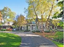Частный односемейный дом for sales at Lake Angelus 2025 Lake Angelus   Lake Angelus, Мичиган 48326 Соединенные Штаты