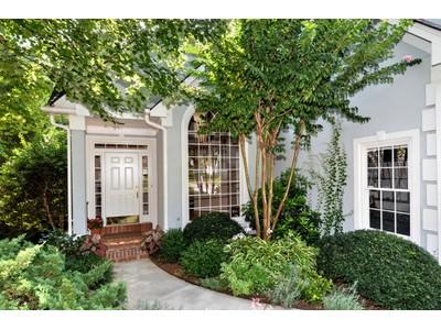 Частный односемейный дом for sales at Brookhaven/Chalfont 2909 Bankshill Row NE Atlanta, Джорджия 30319 Соединенные Штаты