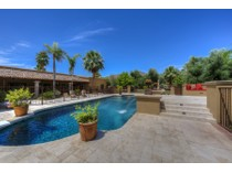 단독 가정 주택 for sales at Handsomely Remodeled Gracious Mediterranean Estate in Paradise Valley 6730 E San Miguel Ave   Paradise Valley, 아리조나 85253 미국