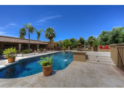 Einfamilienhaus for sales at Handsomely Remodeled Gracious Mediterranean Estate in Paradise Valley 6730 E San Miguel Ave  Paradise Valley, Arizona 85253 Vereinigte Staaten