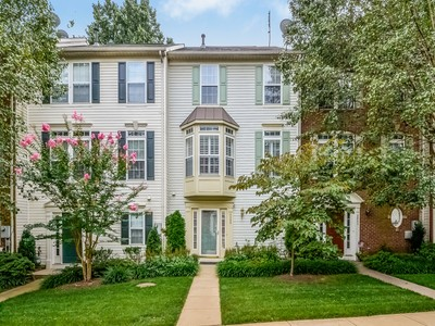 Townhouse for sales at Carr at Cedar Lakes 4339 Stevens Battle Ln Fairfax, Virginia 22033 United States