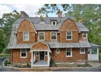 独户住宅 for sales at The Bruce Price Cottage 18 Pepperidge Rd   Tuxedo Park, 纽约州 10987 美国
