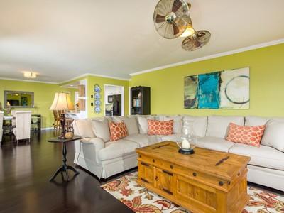 Casa Unifamiliar for sales at 1044 San Marino  San Marcos, California 92078 Estados Unidos