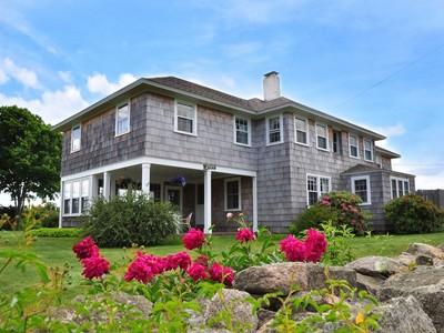 Casa Unifamiliar for sales at Windswept 5 Shawmut Avenue Weekapaug Westerly, Rhode Island 02891 Estados Unidos