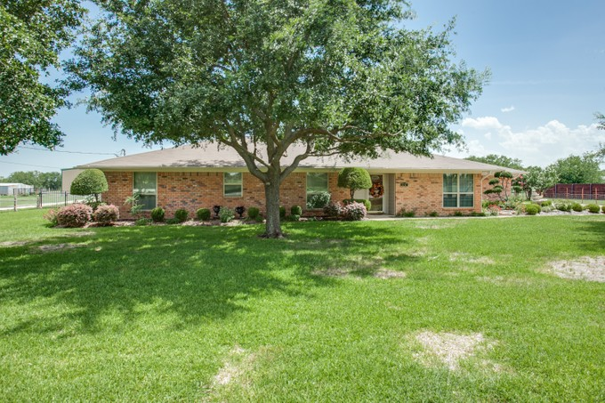 Single Family Home for sales at 1717 Clark Rd   Fort Worth, Texas 76036 United States
