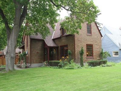 Casa para uma família for sales at Historic Univeristy Home 243 McLeod Ave   Missoula, Montana 59801 Estados Unidos