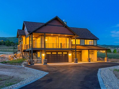 Moradia for sales at Fabulous New Home and two acre Equestrian Estate 53 S Lindsay Hill Rd Heber City, Utah 84032 Estados Unidos