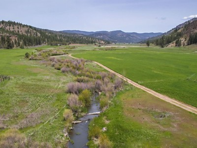 Ferme / Ranch / Plantation for sales at 5600 NE Mill Creek Rd  Prineville, Oregon 97754 États-Unis