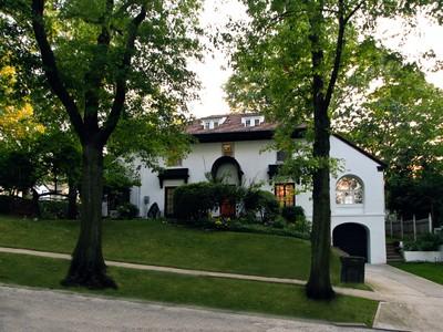 """獨棟家庭住宅 for sales at """"LARGE & PROMINENT KEW GARDENS CORNER LOCATION"""" 82-70 Beverly Road  Kew Gardens, 紐約州 11415 美國"""