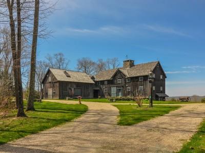 Maison unifamiliale for sales at Antique Barn Home 89 Flag Swamp Road Roxbury, Connecticut 06783 États-Unis
