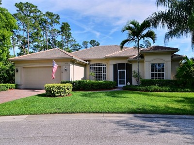 Einfamilienhaus for sales at Former Model, Pool, Super Private on Cul-De-Sac 3070 Peachtree St SW Vero Beach, Florida 32968 Vereinigte Staaten