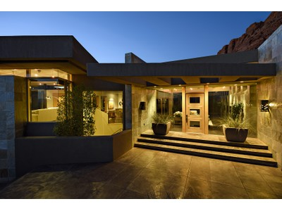 Villa for sales at Red Rocks Beauty 2230 W Acowa Cir St. George, Utah 84770 Stati Uniti