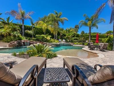 Casa Unifamiliar for sales at 17350 Avenida Peregrina  Rancho Santa Fe, California 92067 United States