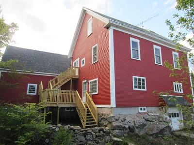 Moradia for sales at 9 Room Farmhouse 468 Elkins Road  New London, New Hampshire 03257 Estados Unidos