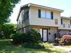 共管式独立产权公寓 for sales at Island Townhouse F9 1500 Demere Road F9 St. Simons Island, 乔治亚州 31522 美国