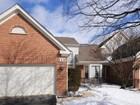 独户住宅 for sales at Charming gated Princeton Village townhome 114 Penn Court Glenview, 伊利诺斯州 60026 美国